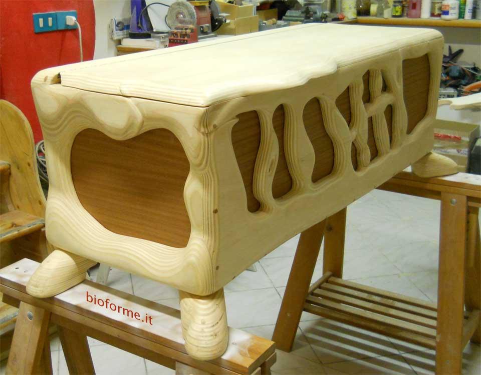 La cassapanca mobile tuttofare per nascere conservare for Cassapanca in legno da esterno
