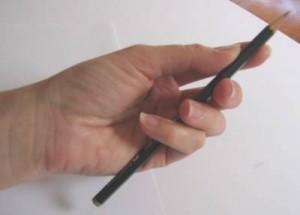Come tenere una matita nel disegno artistico