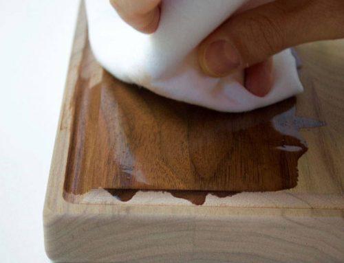 Olio di vaselina: come trattare e proteggere il legno per alimenti